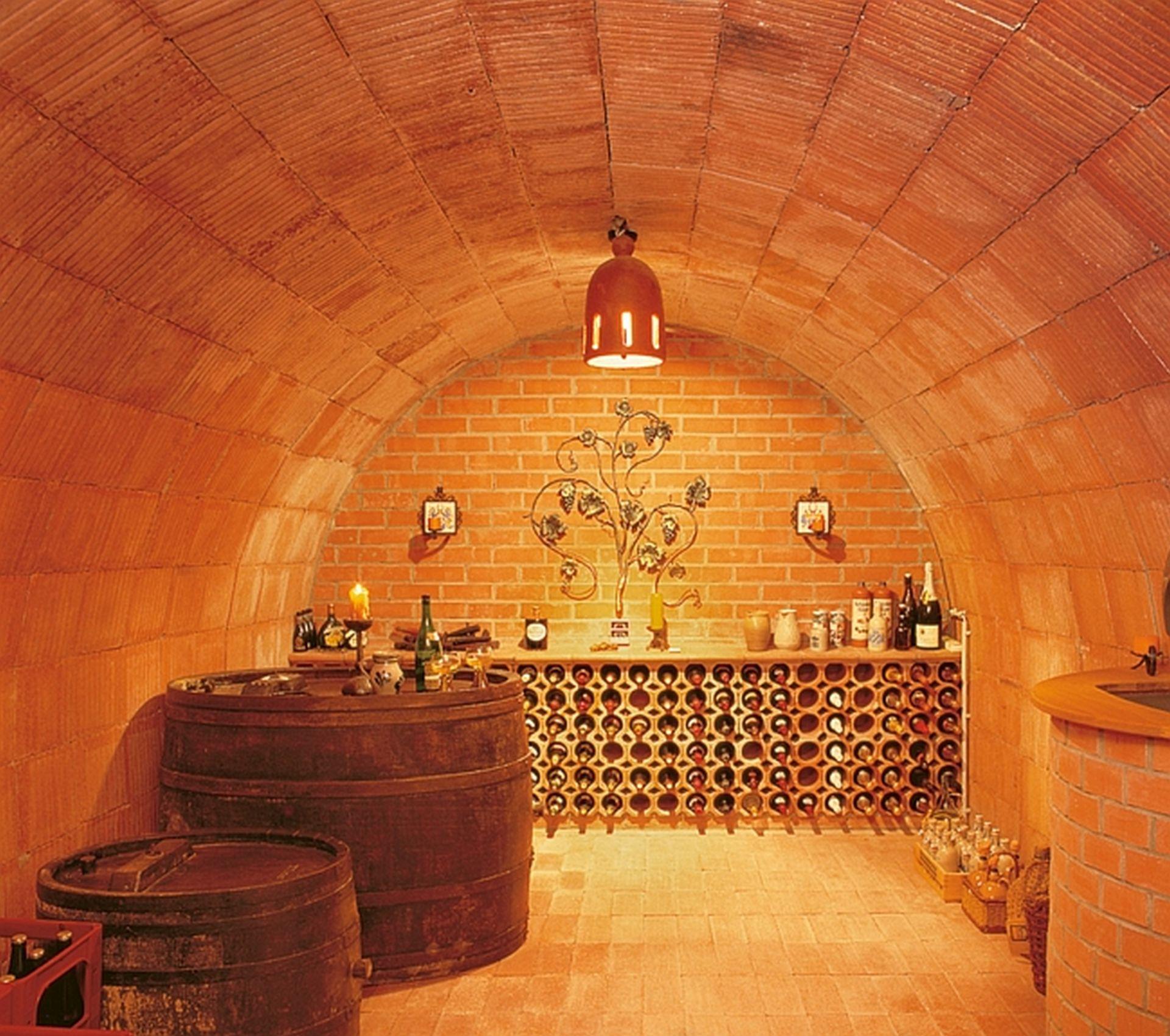 Weinregal Ziegel Von Neuschwander Aus Gebranntem Ton Neuschwander Weinkellerbau